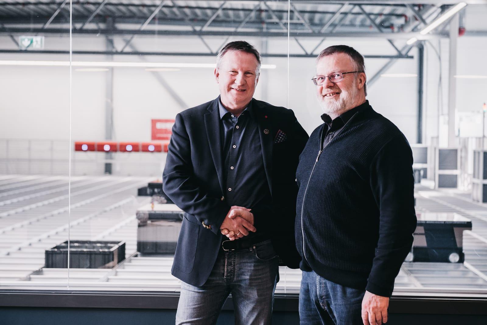 Morten Halvorsen, director general de New Wave, y Kjell Blakseth, consultor de Element Logic, pueden estrecharse las manos por la buena labor realizada.
