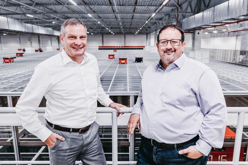 Thomas Rolle (izquierda), Vicepresidente de Operaciones Europeas de TTI y Michael Kawalier, Director General de Ventas
