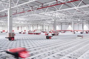 AutoStore permite reducir en un 75% el espacio ocupado respecto a un almacén tradicional